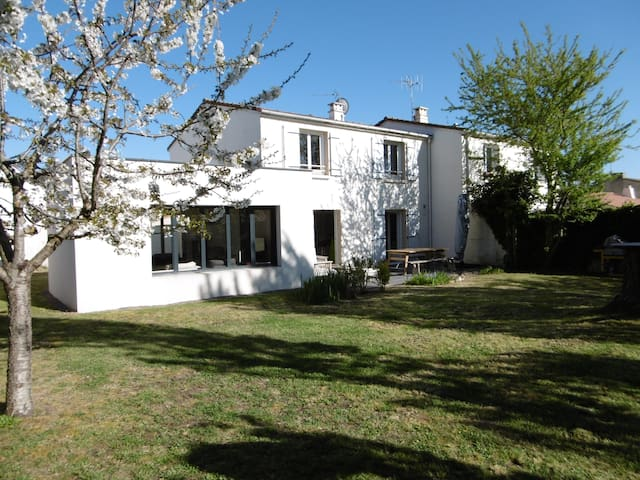 Maison 3 chambres à 3 min des Sables d'Olonne - Olonne-sur-Mer - Hus