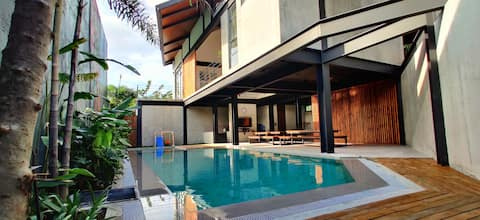Casa Tropica | Modern Tropical Villa with Pool