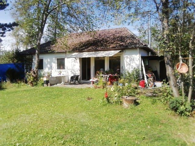 Zimmer mit eigenem Gartenzugang, im 90qm Bungalow