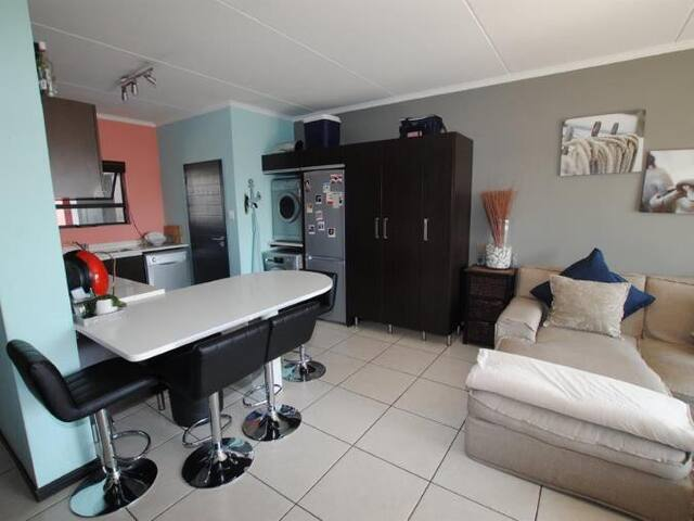 Neat 2 bed apartment for rental in Durban Musgrave