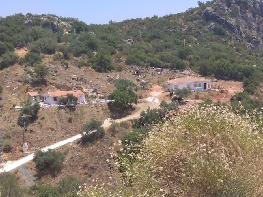 Las Casas Vista de Lejos
