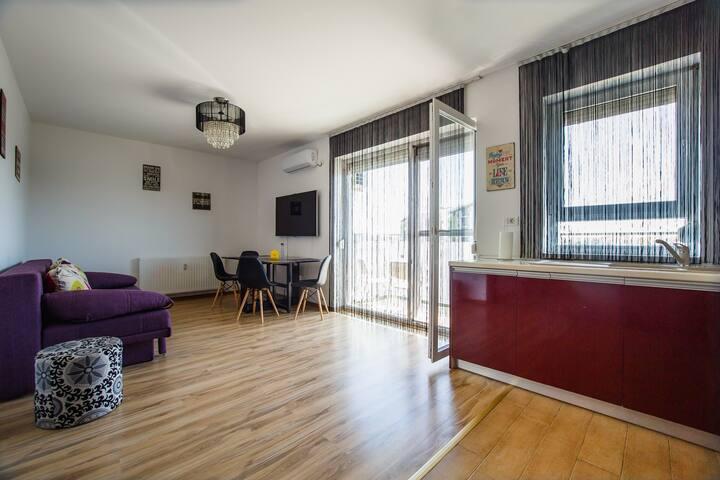Elegant & Modern flat at Prima Residence