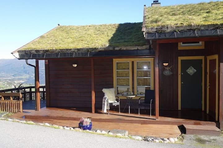 Spacious cabin with panoramic view and easy access