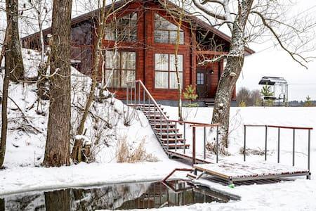 Загородный дом с русской баней