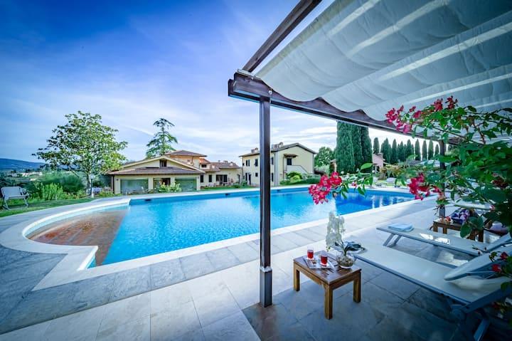 Villa Rita - Beautiful Tuscan Villa