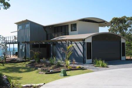 Tangalooma House - House