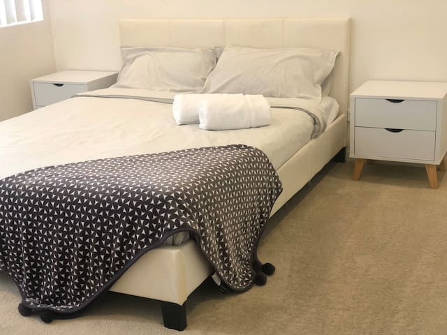 Private modern room near Homebush station