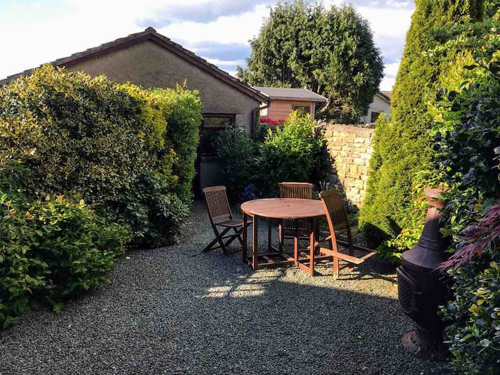2 Bedroom house, picturesque  countryside village.