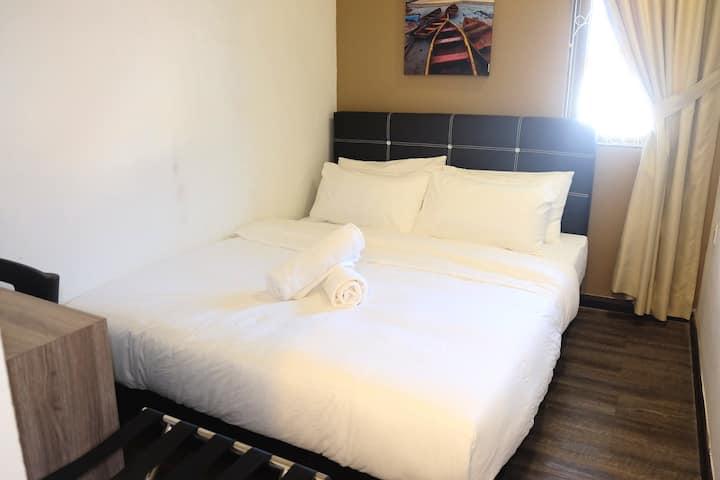 Natol Motel - London (Economy Double Room LD2)