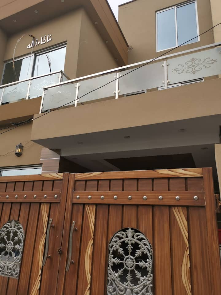 Home in bahria town 5 Marla fully furnished 3 bed