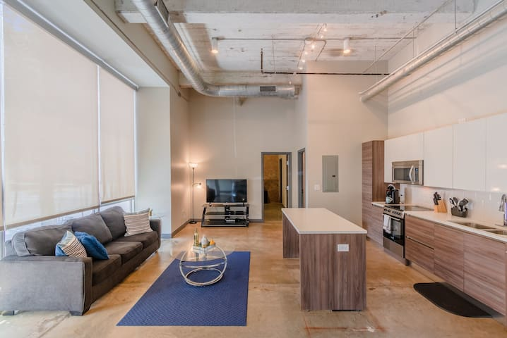 GA Living Suite| Corporate Suites at Butlers Brother with garage parking