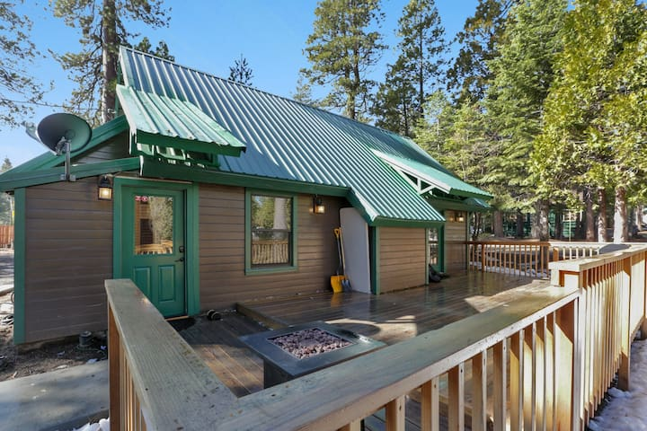 "*NEW* The ""Moose Meadow Lodge"" with RV parking!"