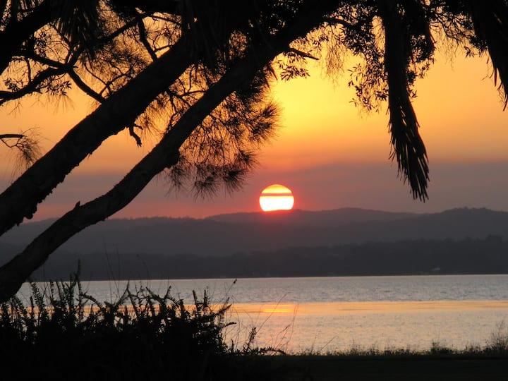 The Jetty Cabin Lakeside - Long Jetty NSW