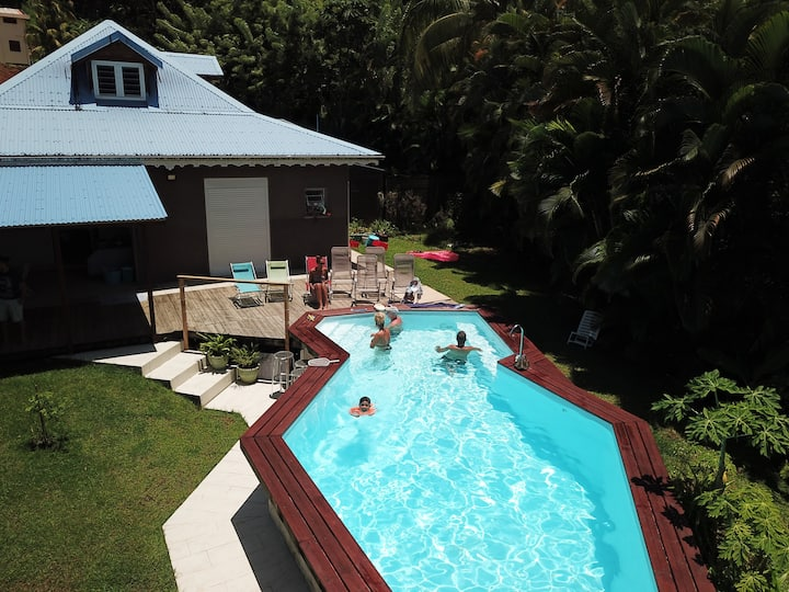 Shared house, heated pool, meals available