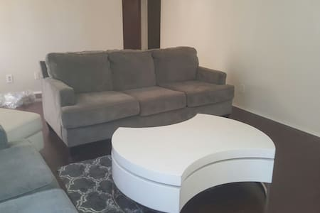 ## LAX area queen bedroom /bathroom - Inglewood - Apartment