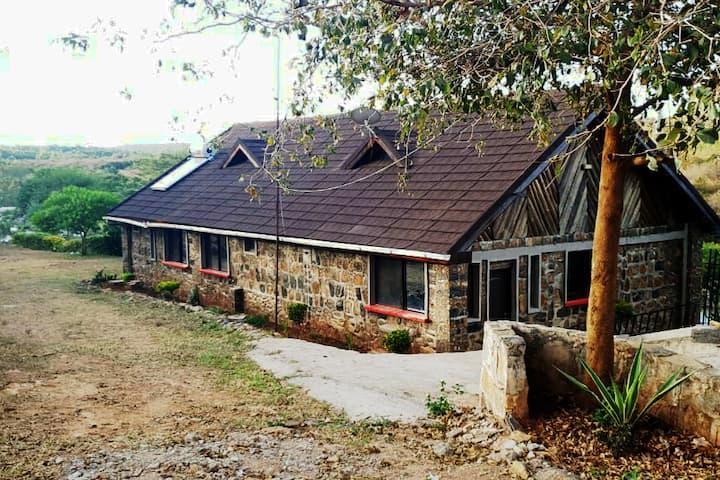 Bush Getaways - Athi River Cabin, near Thika