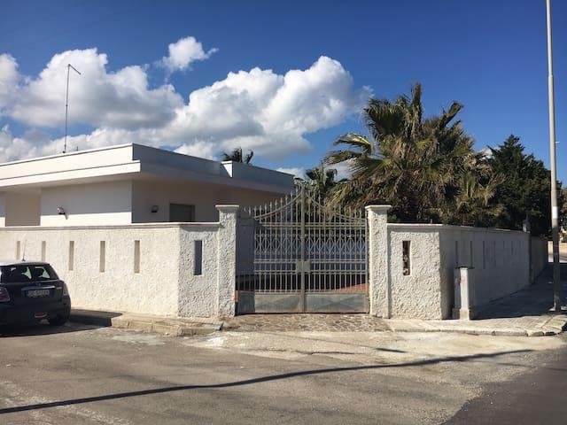 Accogliente Casa A 3 Passi Dal mare - Torre Rinalda - Apartment