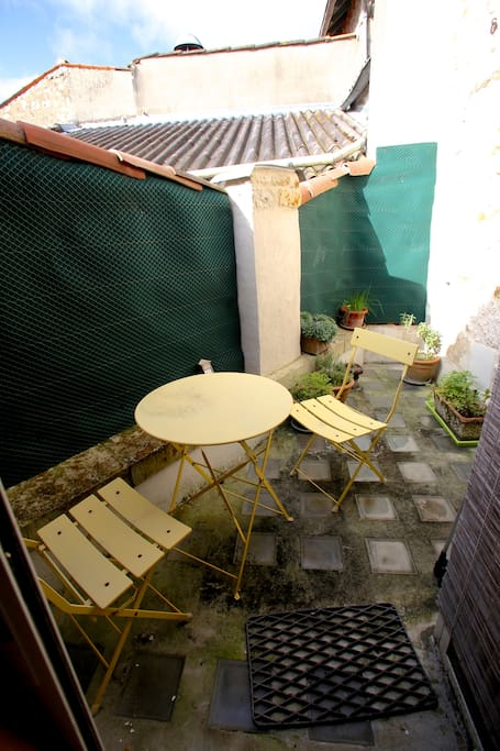 "Little terrace perfect pour ""l'apero""...."