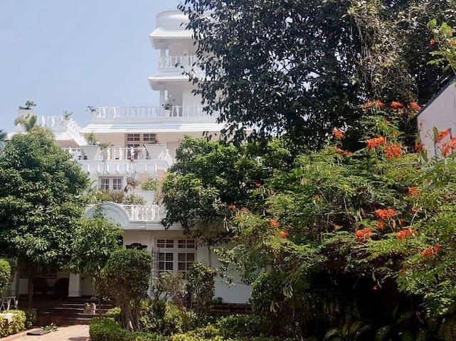 Terrace garden house, ECR