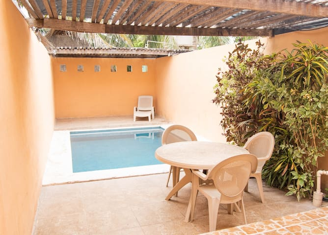 Departamento de 2 pisos con piscina privada