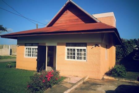 Classique Guest House and Villas - Runaway Bay