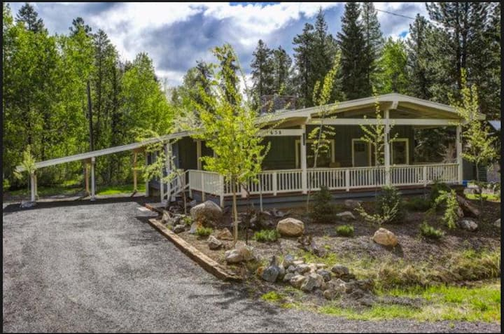Charming McCall Retreat close to everything!