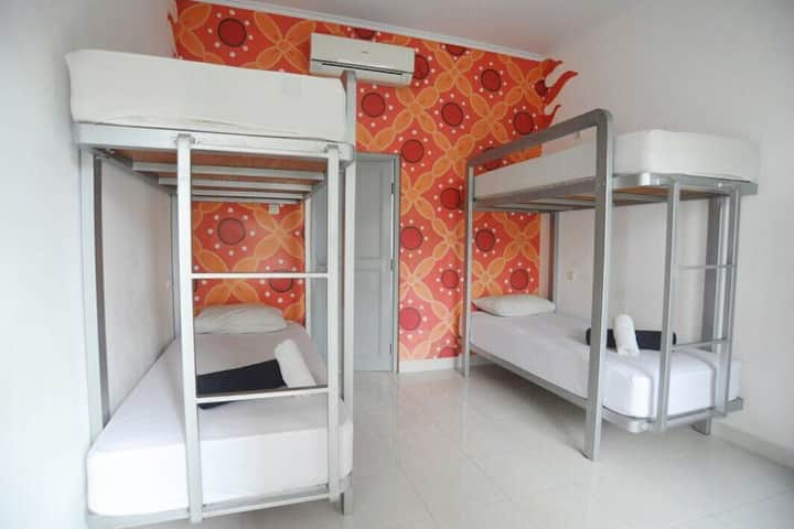 Retra's Hostel: Clean & Cozy Dormitory Near UGM