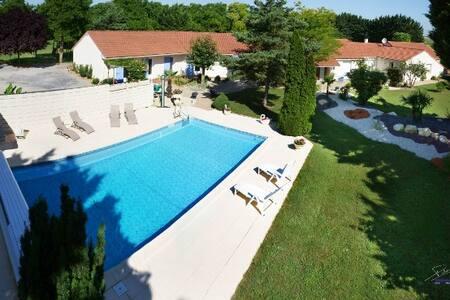 La Galerne - Neuville-de-Poitou
