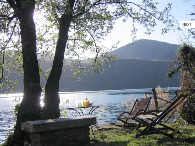 Charming italian villa with view and private dock - Crabbia - Villa