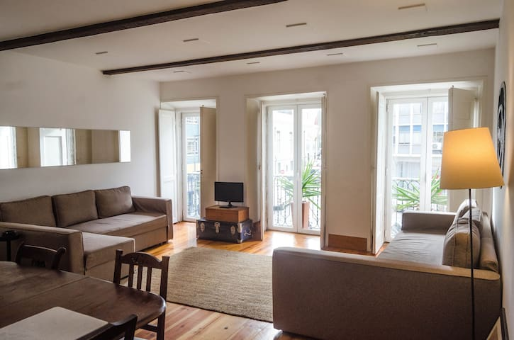 Central, charming and practical - Lisboa - Apartment