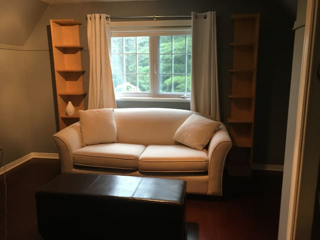 4th bedroom with sofa bed