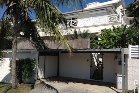 Chambre d'hôte dans grande maison Nouméa Sud