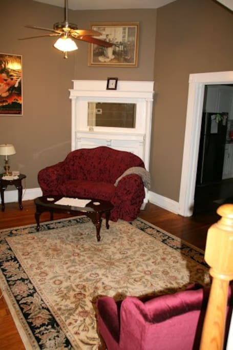 Living room, parlor.