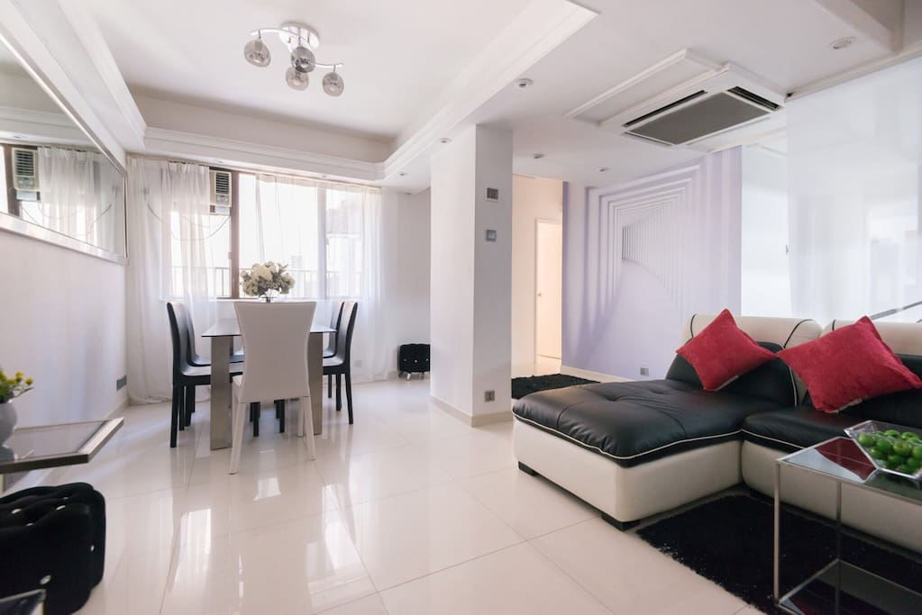 Smartly arranged dining and living area