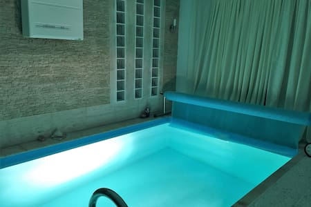Milagrose Castle Villa with Swimming Pool & Sauna - Szentendre - Huvila