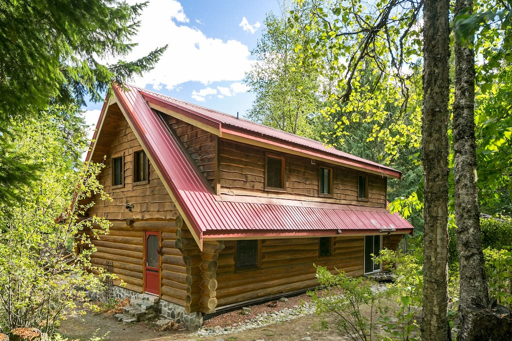 Enchanted pemberton log cabin houses for rent in mount for Pemberton cabins