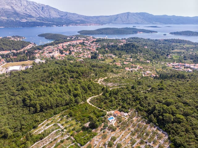 One bedroom Peaceful authentic remote cottage, in Korcula - island Korcula, Outdoor pool