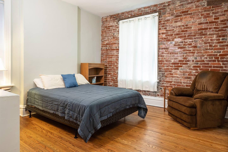 Master bedroom - queen bed, closet space.