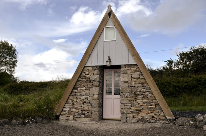 Tir Na nLontas Wooden Cabin