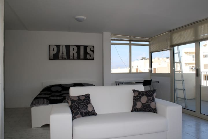 Penthouse Seaview in Sliema - Sliema - Apartment