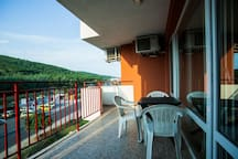 Balcony for alfresco dining :) view of local hills and sunset every night!