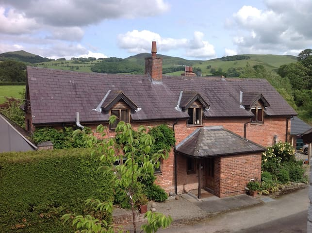 Large house; stunning views; perfect for groups!