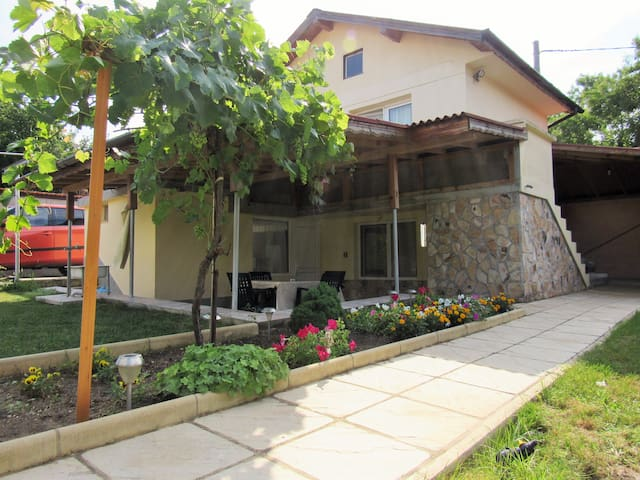 "Villa ""Sunrise"" Varna - perfect for families!"