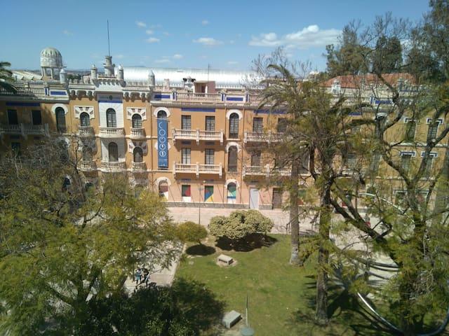 Habitación acogedora en pleno centro.
