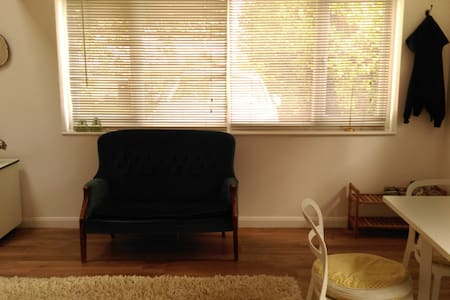 Light and bright 1 bedroom flat - Oxford