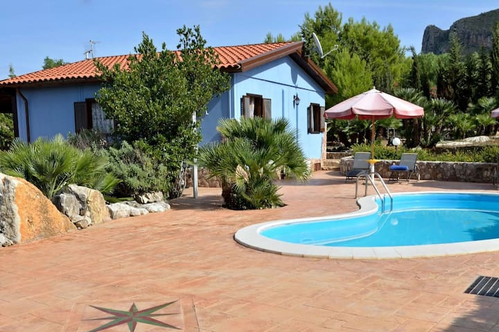 Scenic Holiday Home in Castellammare del Golfo near Beach