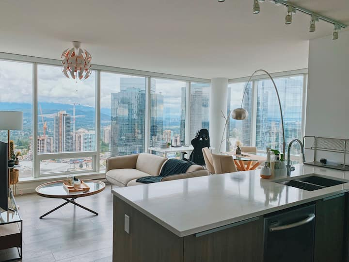 Special offer*  Luxury 2 bedrooms condo