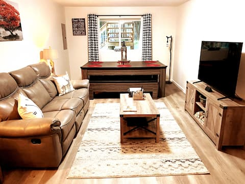 ★NEW★ Cozy 2BR Apartment in the Catskills ★