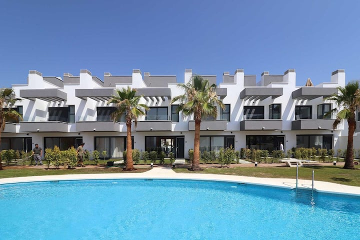 Brand New Townhouse by Rafleys in Fuengirola, Rooftop Solarium & Swimming pool