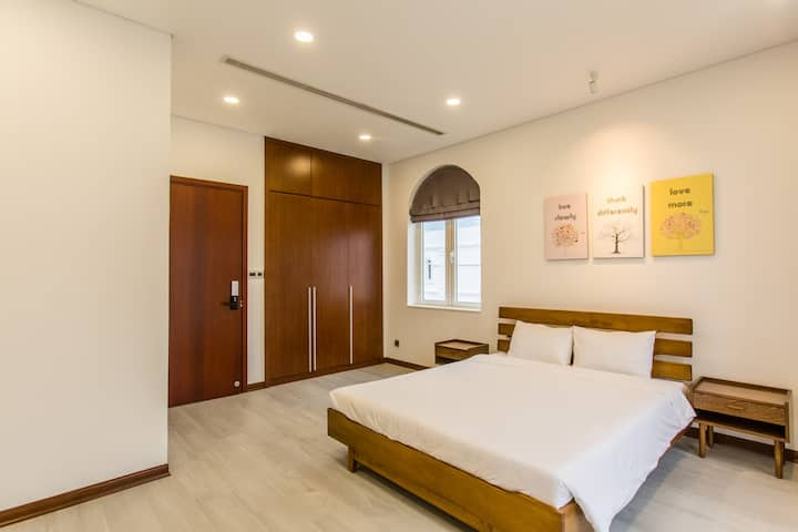 Villa 4 beds-room-clean-city center- 24/24 support